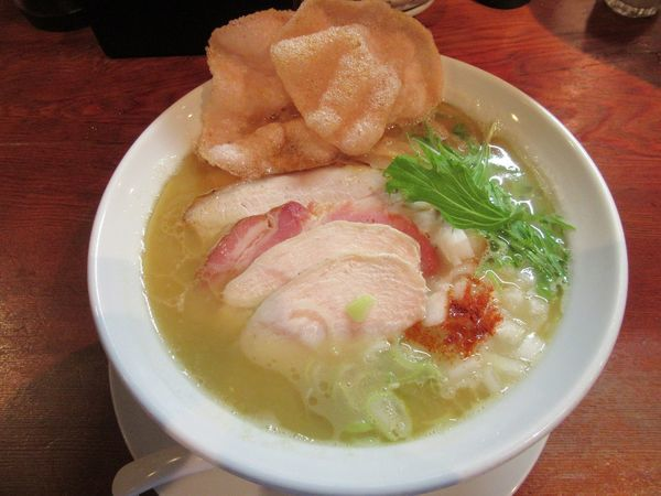 「豚骨白湯(800円)+チャーシュー200円」@麺や 松辰の写真