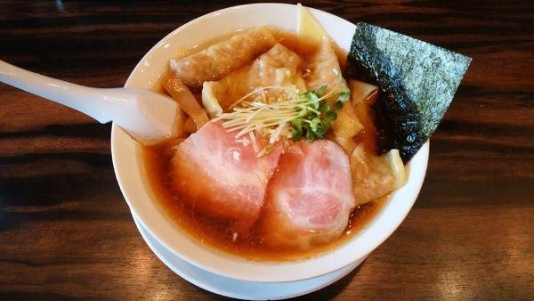 「ワンタン麺¥900-」@稲荷屋の写真
