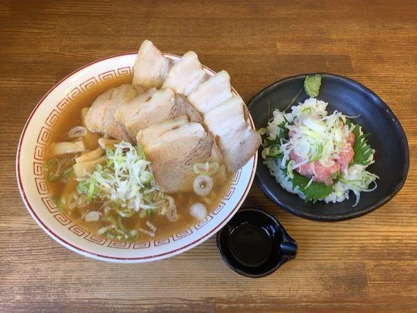 「蔵出し しょうゆチャーシュー(鶏油)+ミニねぎトロ丼」@喜多方食堂 麺や玄の写真