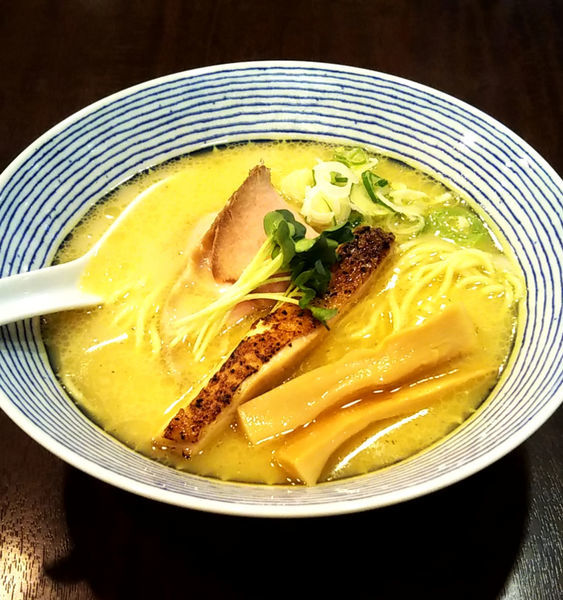 「鶏白湯らーめん」@麺場ニ寅 川越店の写真