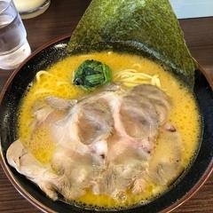 横浜家系ラーメン かまし家の写真