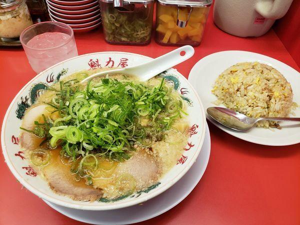 「ラーメン 焼きめしセット」@ラーメン魁力屋 五反田店の写真