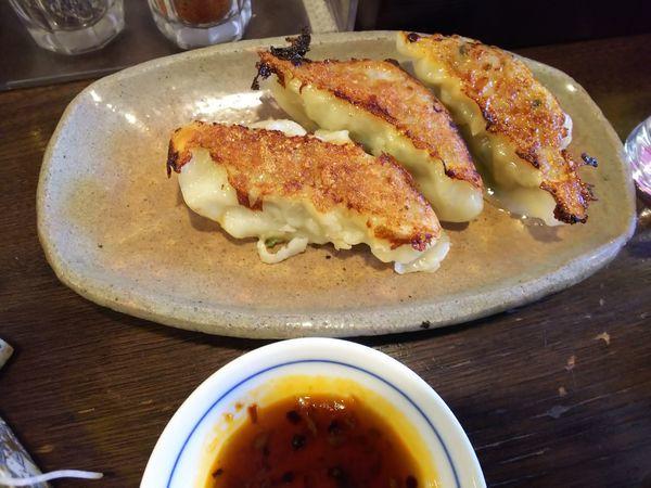「焼き餃子 390円」@立ち呑み居酒屋 金町製麺の写真