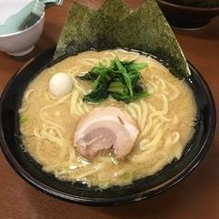 横浜家系ラーメン宮本商店の写真