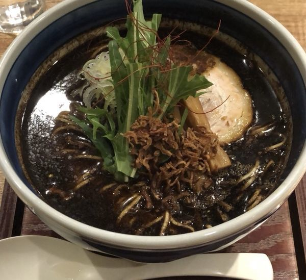 「裏メニュー「辛味塩ラーメン 【黒】」」@麺や Co粋の写真