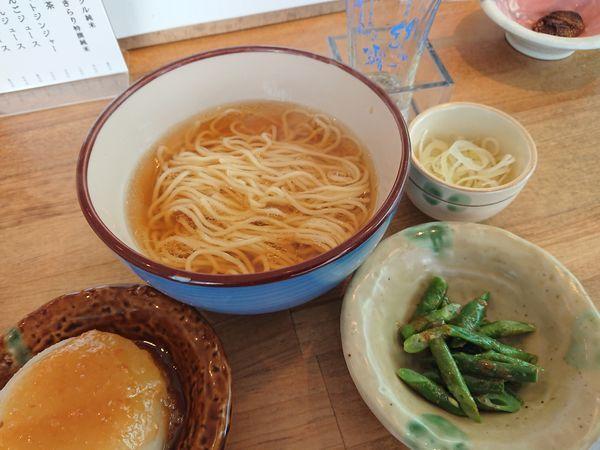 「ハーフ素ラーメン+野菜の小鉢 700円+他いろいろ」@都電テーブル 雑司が谷店の写真