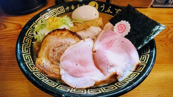 「特製中華蕎麦(大)」@中華蕎麦うゑずの写真