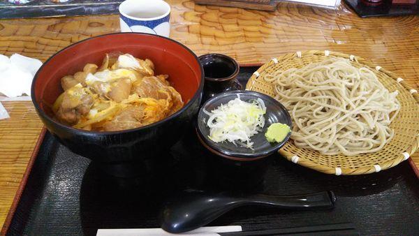 「もりそば+ミニ親子丼(ランチメニュー3)」@会津蕎麦 あずまやの写真