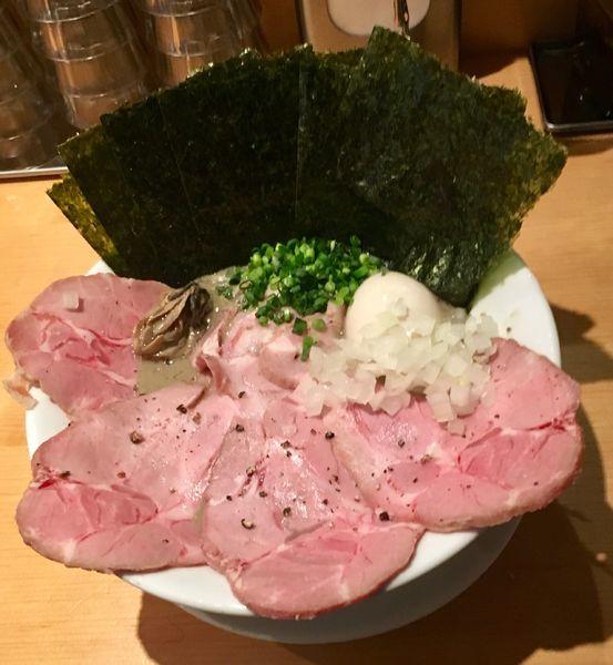「濃厚牡蠣煮干中華そば 具だくさん特製」@麺屋 まほろ芭の写真