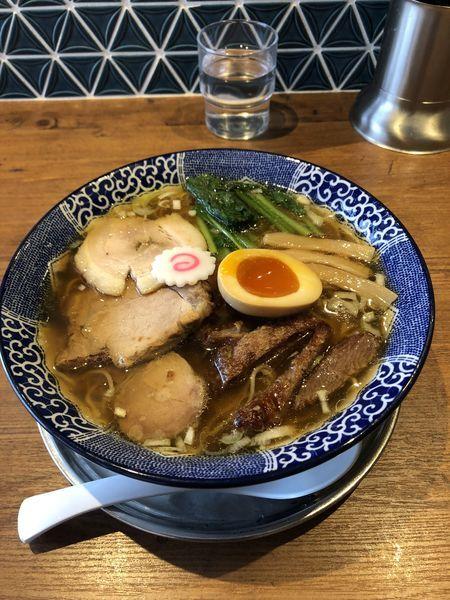 「特製清湯醤油らーめん(大盛)」@ハマカゼ拉麺店の写真