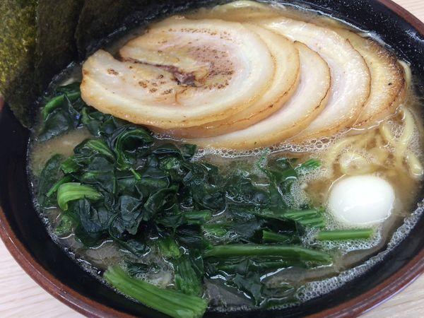 「焼豚豚骨麺¥880、ほうれん草¥100」@すずき家 下永谷2号店の写真