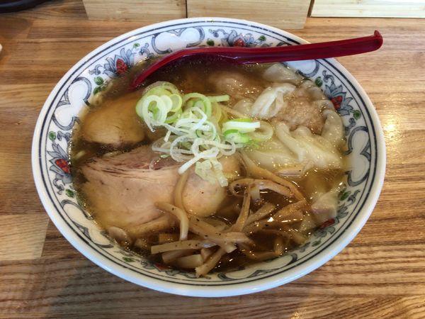 「【限定】豚清湯ワンタン麺 950円」@くじら食堂 nonowa東小金井店の写真