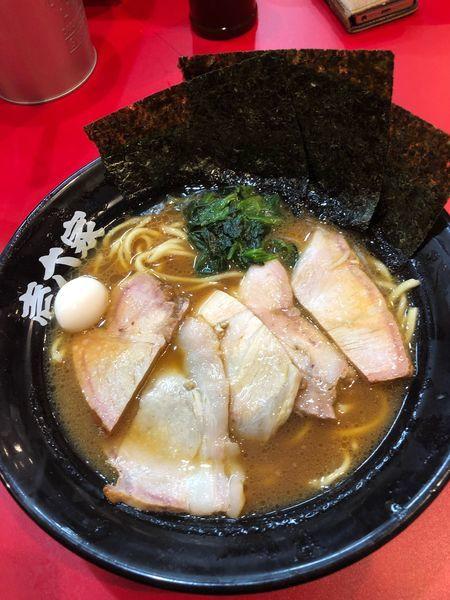 「チャーシュー麺並900円、硬め濃いめ」@壱六家 横浜店の写真