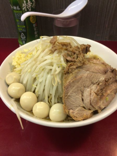 「味噌ラーメン ¥850 ウズラ¥100」@ジラフの写真
