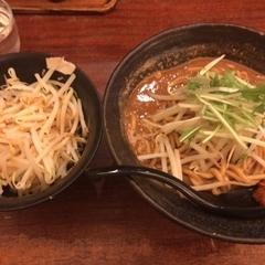 辛麺 真空 町田本店の写真