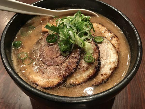 「醤油味玉チャーシュー麺」@麺匠 るい斗の写真