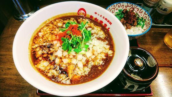 「背脂カレー麻婆麺(2辛・刻みニンニク)+ライス」@辛っとろ麻婆麺 あかずきん 蒲田店の写真