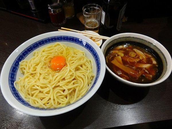 「つけ麺中盛り850円 生卵50円 ビール550円」@中華そば べんてんの写真