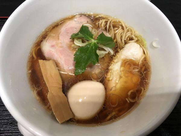 「鶏醤油らぁ麺+煮卵」@らぁ麺とうひち 新宿高島屋京都美味コレクションの写真