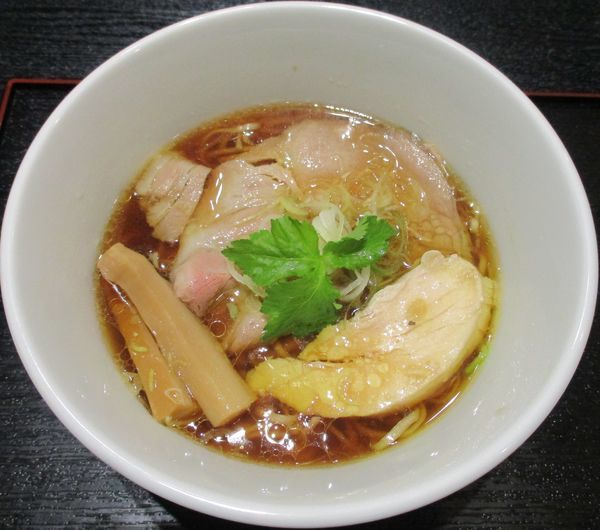 「鶏醤油らぁ麺 900円」@らぁ麺とうひち 新宿高島屋京都美味コレクションの写真