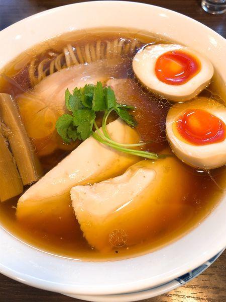 「特製醤油らぁ麺 ¥980」@らぁ麺 紫陽花の写真
