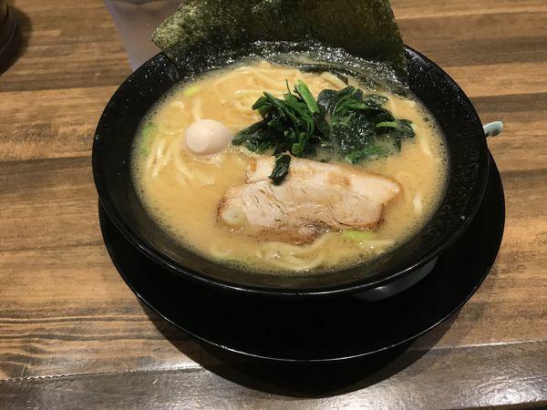 「醤油ラーメン」@横浜家系濃厚とんこつラーメン 本気家の写真
