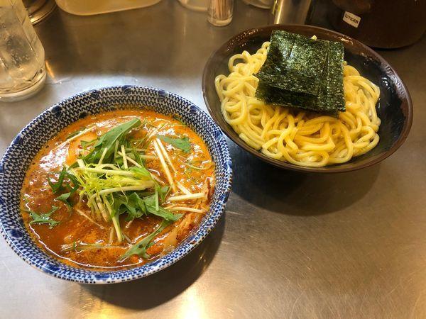 「辛つけ麺(あつもり)+レモンサワー」@めん屋桔梗 銀座店の写真
