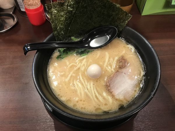 「醤油ラーメン」@横浜家系ラーメン まんぷく家 東岡崎駅前店の写真