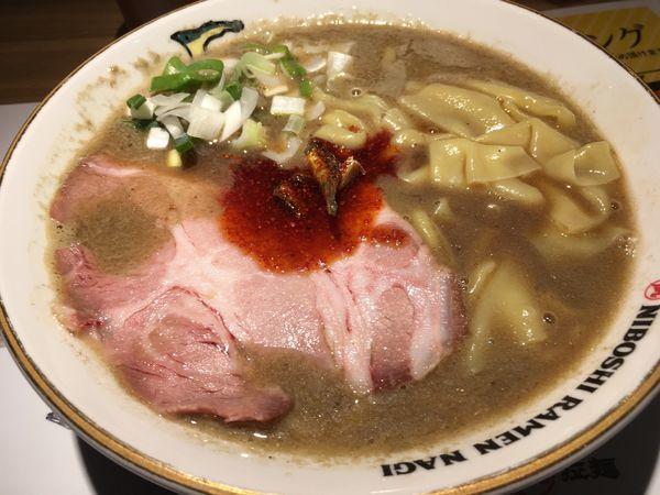 「すごい煮干ラーメン」@すごい煮干ラーメン凪 田町店の写真
