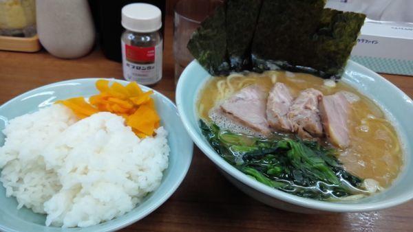 「チャーシュー麺並850円」@横浜ラーメン 武蔵家 北千住店の写真