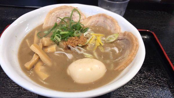 「煮干しとんこつ てんがら盛り」@ごはんどき 苅田店の写真
