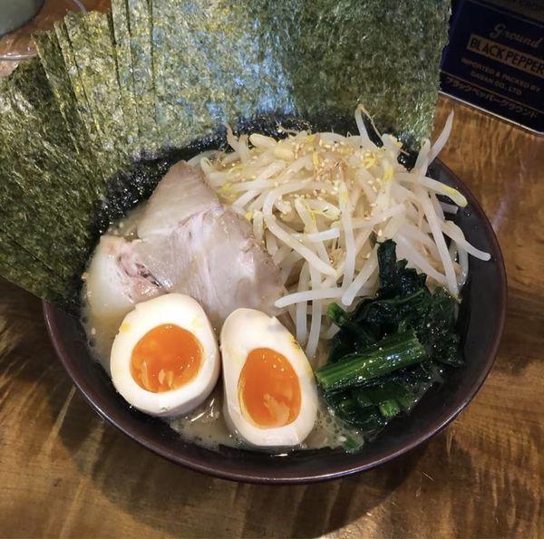 「のりラーメン 味玉 もやしトッピング」@麺処 謹ちゃんの写真