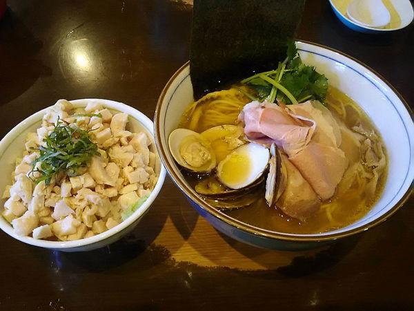 「蛤そば+鶏飯=1230円」@中華そば 四つ葉の写真