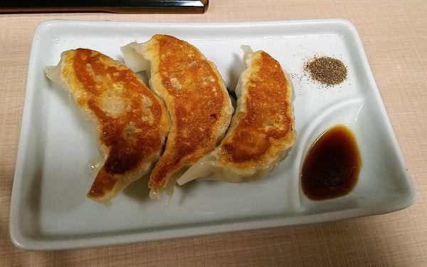 「餃子(3個)  350円」@与ろゐ屋の写真