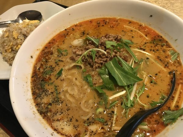 「担々麺と半チャーハン」@中華料理 馨苑の写真
