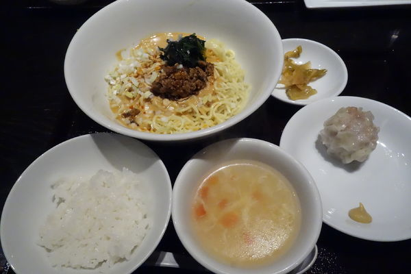 「汁なし担々麺」@恵比寿餃子 大豊記 御成門の写真