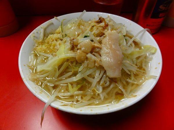 「ラーメン600円 麺硬め ニンニク脂」@ラーメン二郎 三田本店の写真