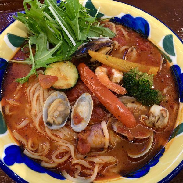 「地中海のトマトスープ麺(地中海風海鮮)」@トマトの花 イオンレイクタウンkaze店の写真