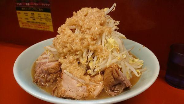 「ラーメン中300㌘ 豚増し 野菜増し」@立川マシマシ 5号店(神保町店)の写真