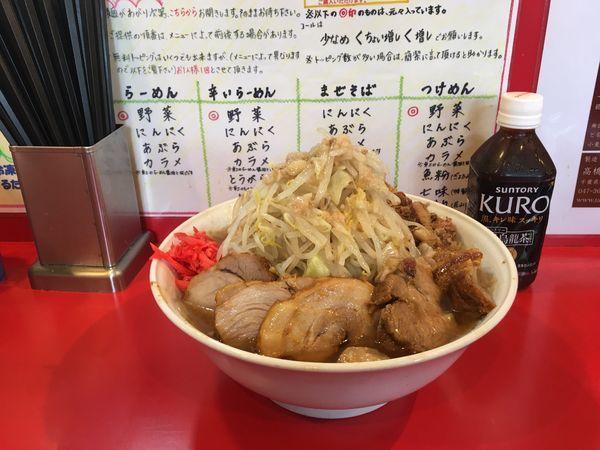 「小ラーメン+豚2枚+ほぐし豚+全マシ+アレ」@麺屋 桐龍の写真