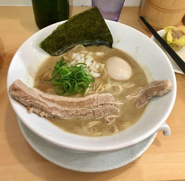 「特選濃厚煮干しをそば【限定】 1000円」@麺屋BISQの写真