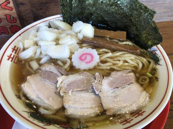「煮干し中華そば+たまねぎトッピング」@肉煮干し中華そば さいころの写真