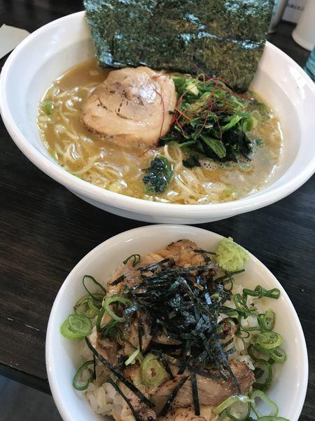 「地鶏ガラ醤油らー麺」@らー麺つけ麺 みやがわ 東白楽店の写真