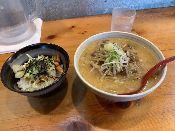 「味噌ラーメン 小 + チャーシュー丼」@大正麺業の写真