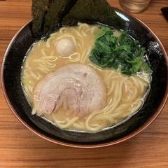 横浜家系ラーメン 壱角家 辻堂店の写真