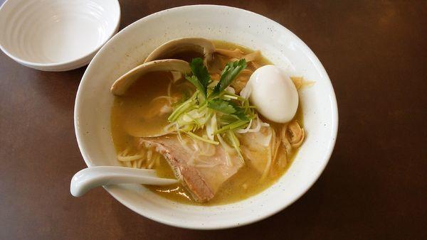 「味玉付貝塩拉麺¥950-」@麺屋 心羽の写真