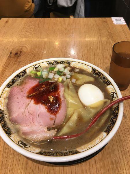 「こってりラーメン 味玉 (中盛、麺柔め)」@すごい煮干ラーメン凪 五反田西口店の写真