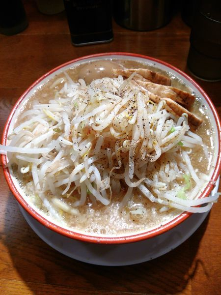 「ラーメン麺少なめ(味玉付) ¥780」@らーめんバリ男 大門店の写真