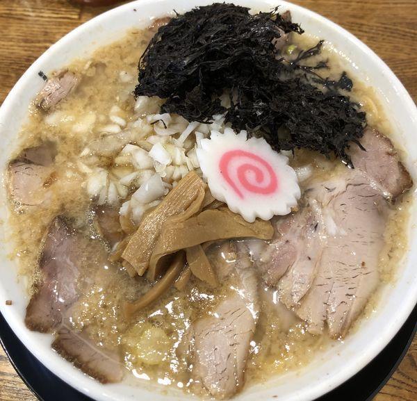 「背脂生姜醤油チャーシュー麺」@らーめん みずさわ 東川口店の写真