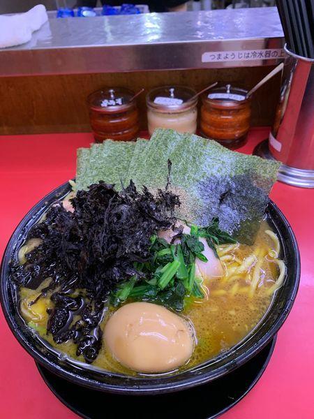 「チャーシュー麺大、味玉、のり、岩のり」@上越家の写真
